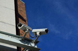 instalacja-kamer-na-wlasnej-posesji-uk