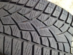 winter-tyre-1342875_1280